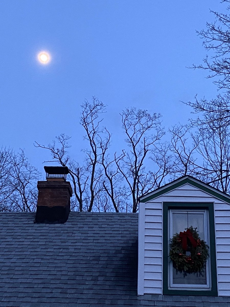 One of my passions, besides sharing the beauty in all through Avon products, is taking pictures of nature. Tonight the moon rising above the house with the trees in the background was the perfect picture. #nature #photography #moon #avonrep #photographer #naturesbeauty