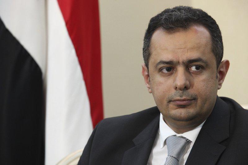 رئيس الوزراء اليمني يجدد اتهام حكومته للحوثيين وإيران بالوقوف وراء الهجوم على مطار عدن الدولي   #اليمن #yemen