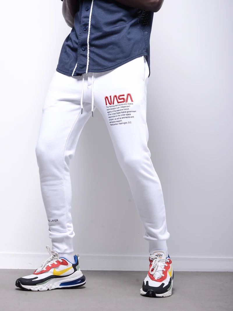 Joggers Available in 2 Colors!  Get It Here:   Instagram: @fashstop  #streetstyle #fashion #mensfashion #menswear #mensoutfits #streetstyle #streetwear #jeans #denim #fashstop #hoodie #Joggers