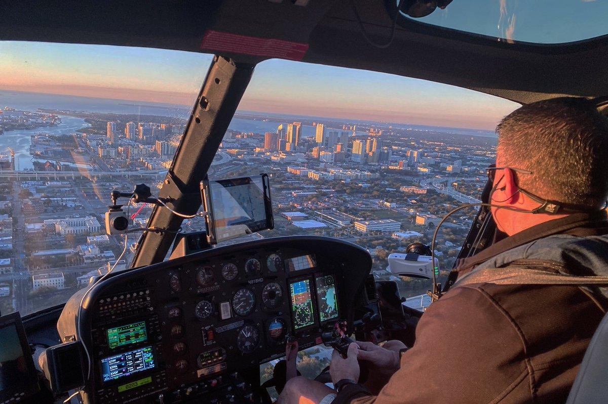 .@WFLA    Enjoying the Sky 🚁 #MondayVibes #sky #GoodVibes #TampaBay
