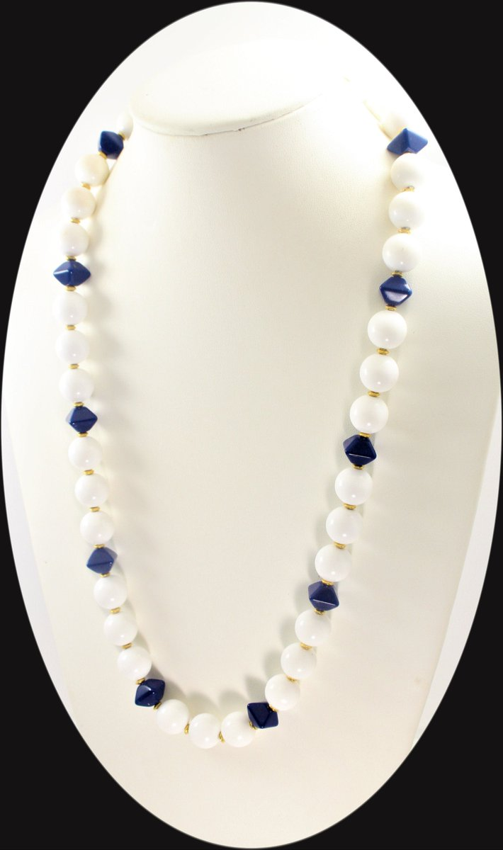 Excited to share the latest addition to my #etsy shop: Vintage Statement Necklace White Blue Gold Tone Lucite Beaded Necklace Item CB 100285  #white #blue #no #lobsterclaw #mother #vintagenecklace #color #necklace #vintagebakelite