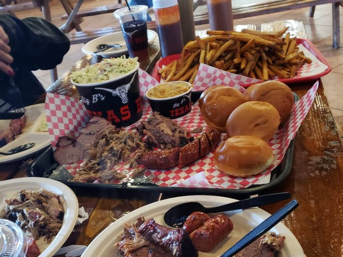 2 pic. Had the most Amazing BBQ lunch at Big B's BBQ..... This is Definitely a must go place. My eyes