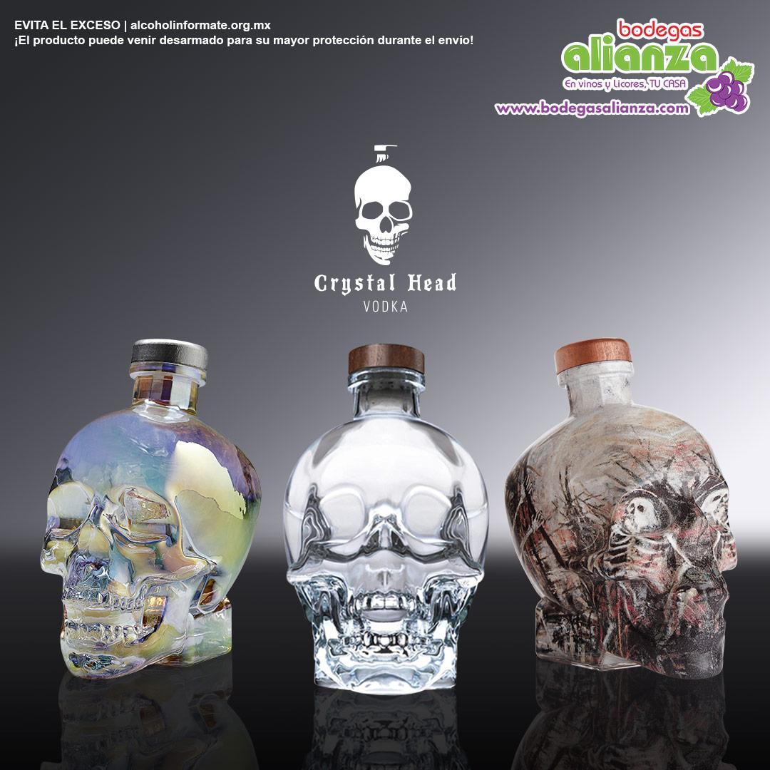 Crystal Head es un #vodka increíblemente puro en la botella más espectacular,  cada gota es filtrada en diamantes y destilado cuatro veces para resaltar su pureza  potente sabor.  🍸💀