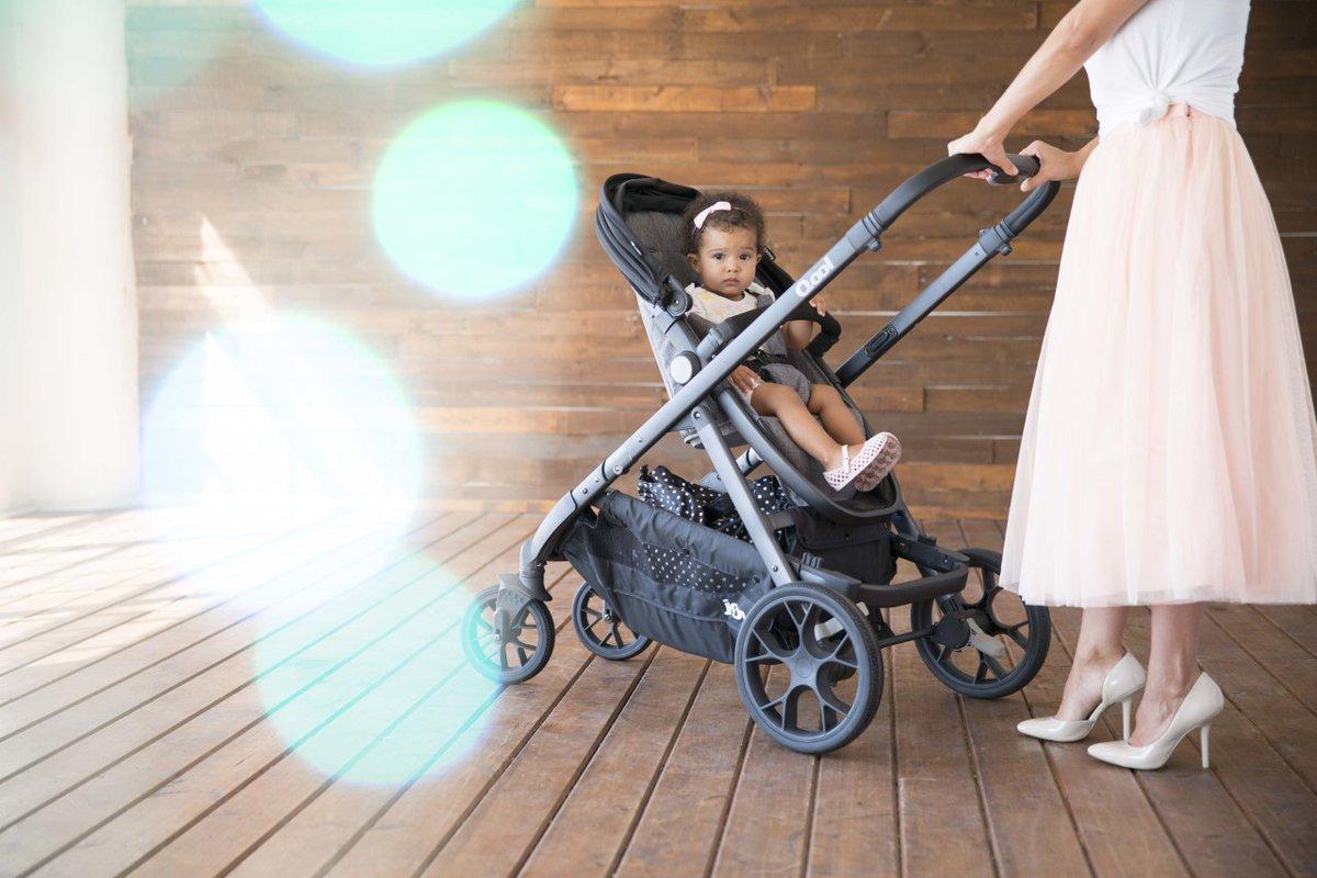 Timeless Style in the Joovy Qool!  😎✨💓  #stroller #joovyqool #product #momlifebalance #modelbaby #babygirl #familylife #fashionista #flashesofdelight #tinytinymoments #familytime #mommyandme