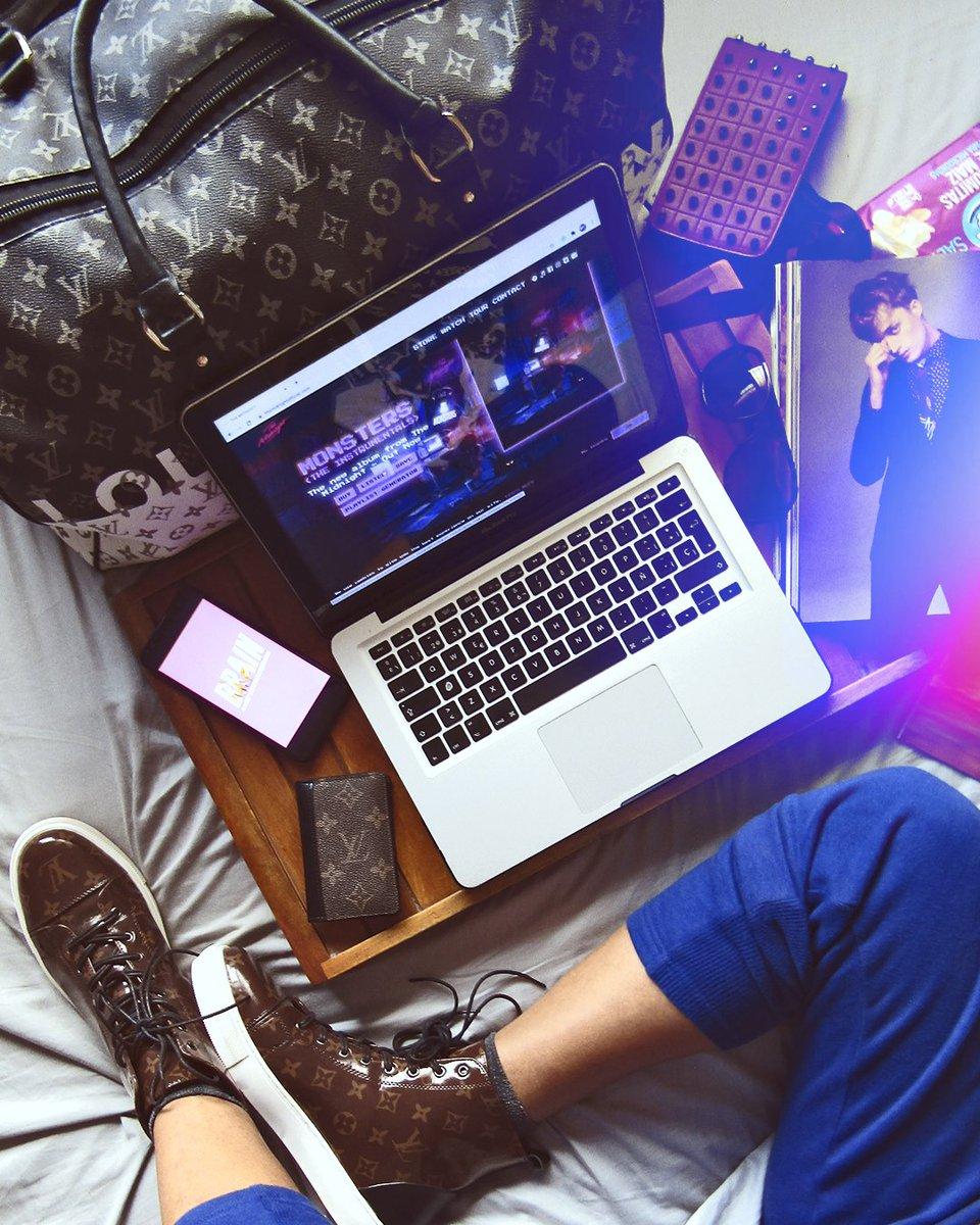It's just a matter of priorities 🙌#entrepreneur #creativedirector #motivation #success #love #mindset #design #fashion #entrepreneurship #lifestyle #style #louisvuitton #entrepreneurlife #pty #positivevibes #losangeles #panama #marketing #dtla #LV #WorkFromHome #creativityforall