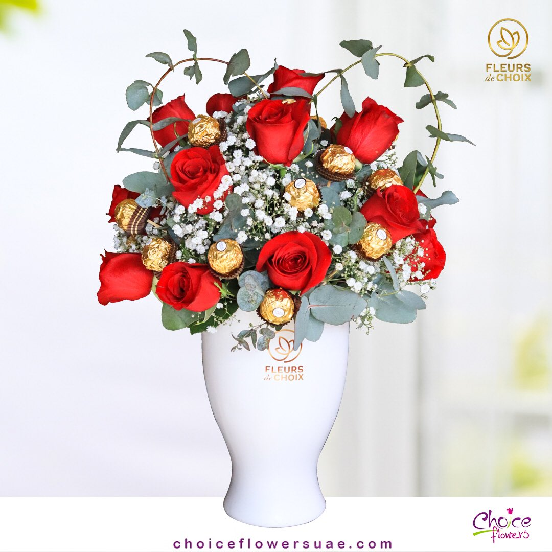 Anything is good if it's made of chocolate 💐  🥀or Order contact#watsapp📱+971551667229  Our website ✨   . #flowers #loveyourself #smaile #flowerdelivery #lovequotes #love #instagood #photooftheday #fashion #beautiful #happy #cute #tbt #likeforlikes #cute