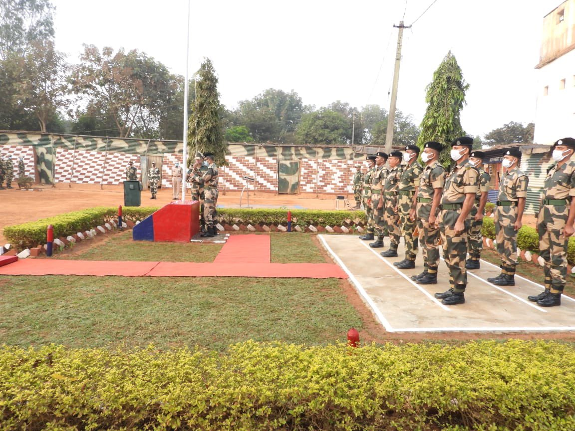 #Republic Day Celebrations. Recalling the warriors who sacrificed their lives in making this nation Republic, P K Mishra DIG BSF Koraput hoists tricolour and extends warm greetings to Border Guards and their families of under command units.@BSF_India @BSF_Comdsplops @DDNewslive