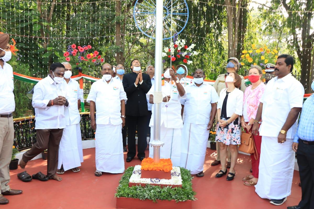 On the occasion of Republic Day 2021, HCM Shri @VNarayanasami  hoisted the National Flag at Legislative Assembly.  #Puducherry #Republicday #RepublicDayIndia