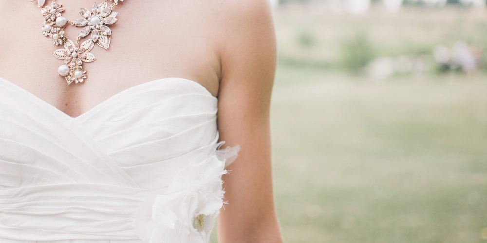 That's really out of sight! See more at Shoppers 1st  #wedding #bride #jewelry