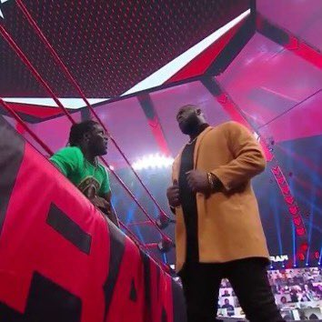 I love the different camera angles WWE has for Omos.   #WWERaw