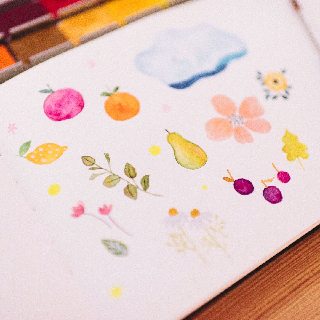 #Doodling with no plans is such a #relaxing thing to do 😌  #のんびり #お絵描き🍊  #illustration #watercolorpainting #art #watercolour #イラスト #floralart #フルーツ #mindfulness