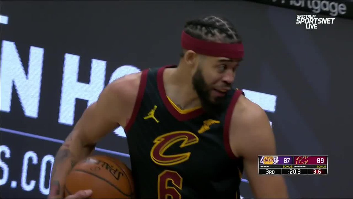 Replying to @SportsCenter: WYD JaVale 😂