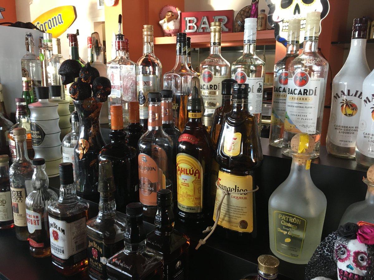 Happy Hour M-F 3-6pm food & drink specials #happyhour #margaritas #Mexicanfood #emiliosalmostfamous #lunashine #tequila #spicy #spicyfood #coloradolocal #doradohabanero #chili #westminsterco #broomfieldco #bars #pubs #amigos #foodie #cerveza #ole #beer #vodka #specials #local
