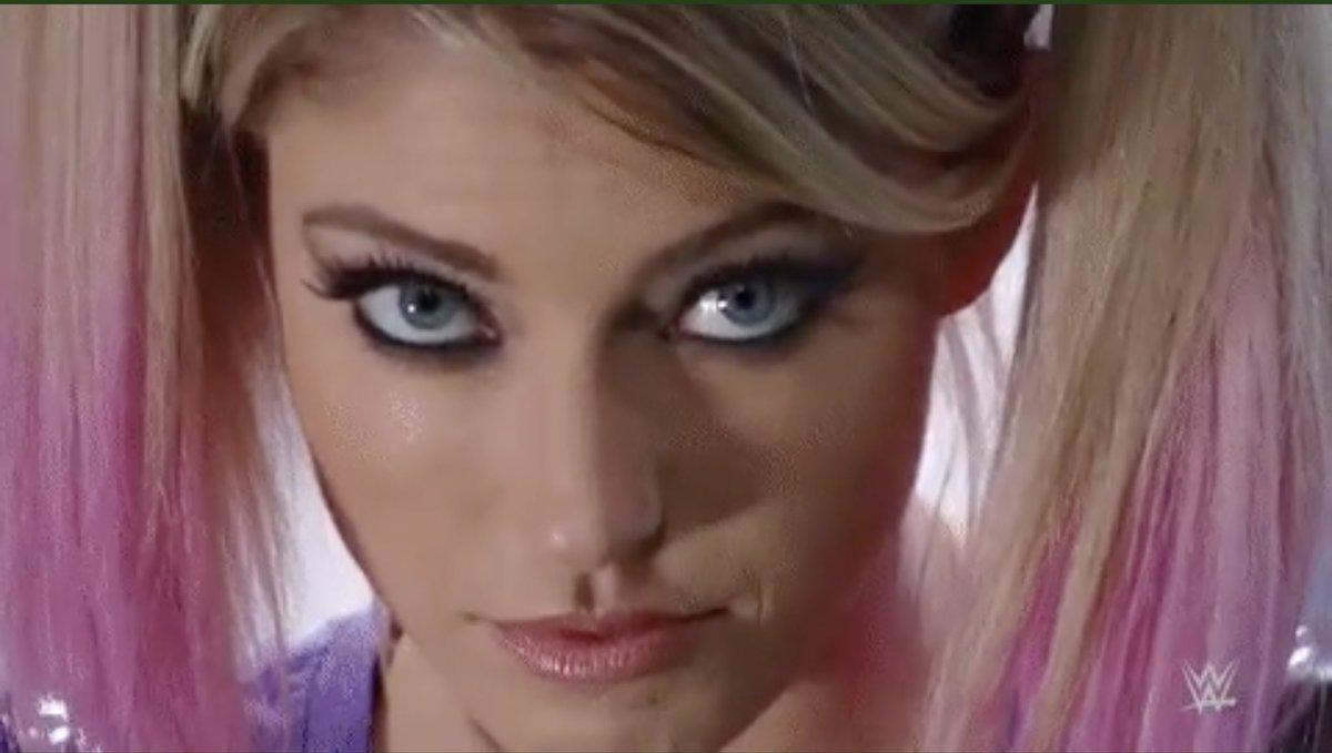 @CWrestlingUK 😍👹#AlexaBliss #AlexasPlayground #WWERaw  #TheFiend
