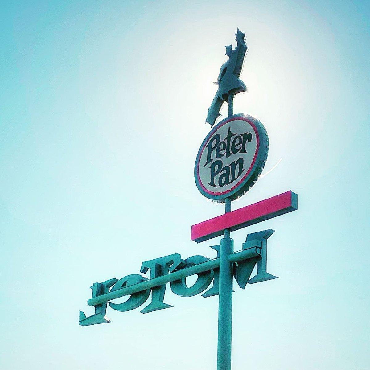 Peter Pan Motel, 1963, Las Vegas, NM , RIP Tony Hsieh https://t.co/3tzfOhFM8L