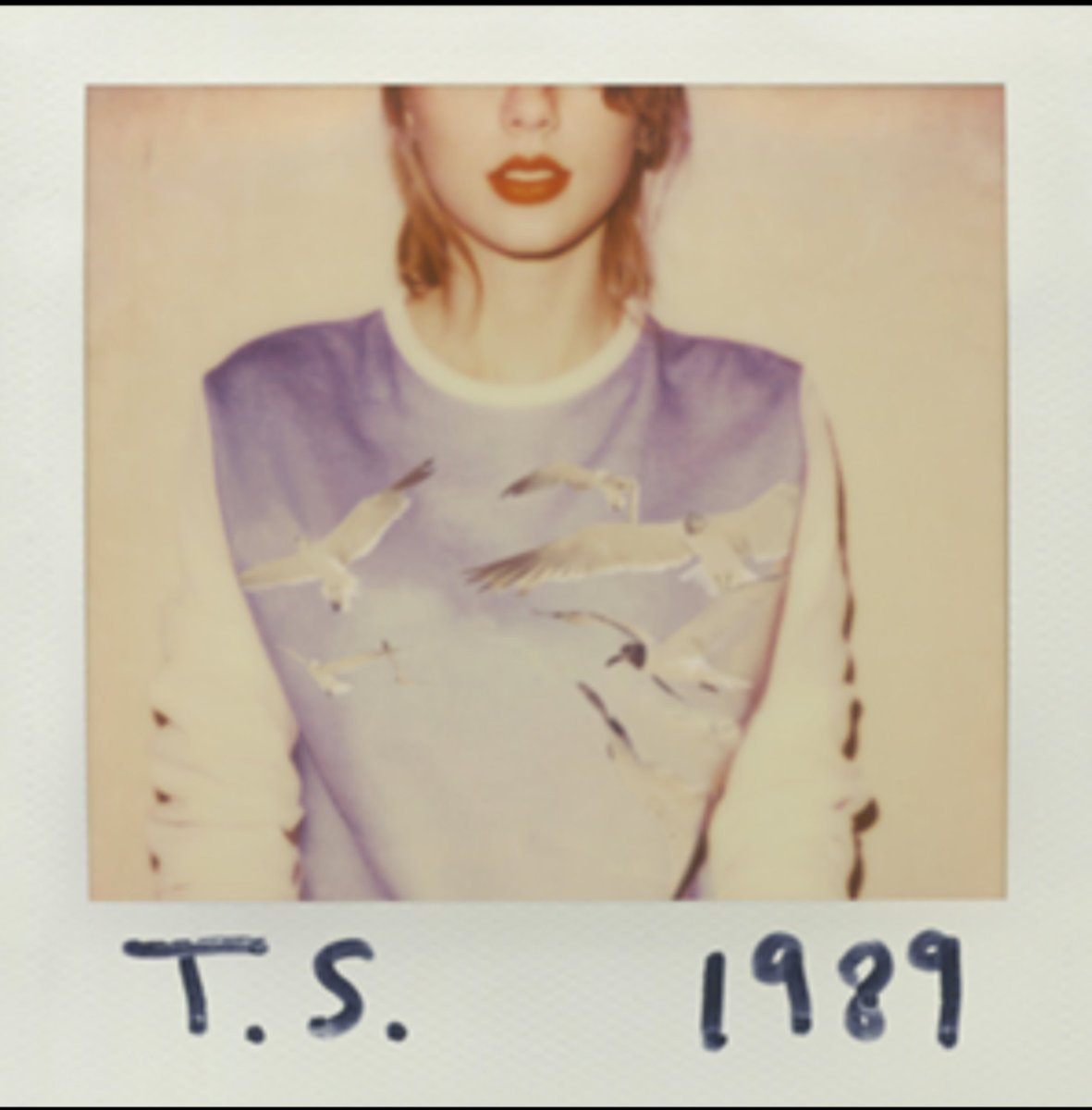 #Day13 #MCOMusicChallenge the album I didn't want people to know I like is Taylor's 1989. I've only openly came out as a Swiftie during Folklore. The fact that this is the album for the 13th day of this challenge is purely coincidence 😉