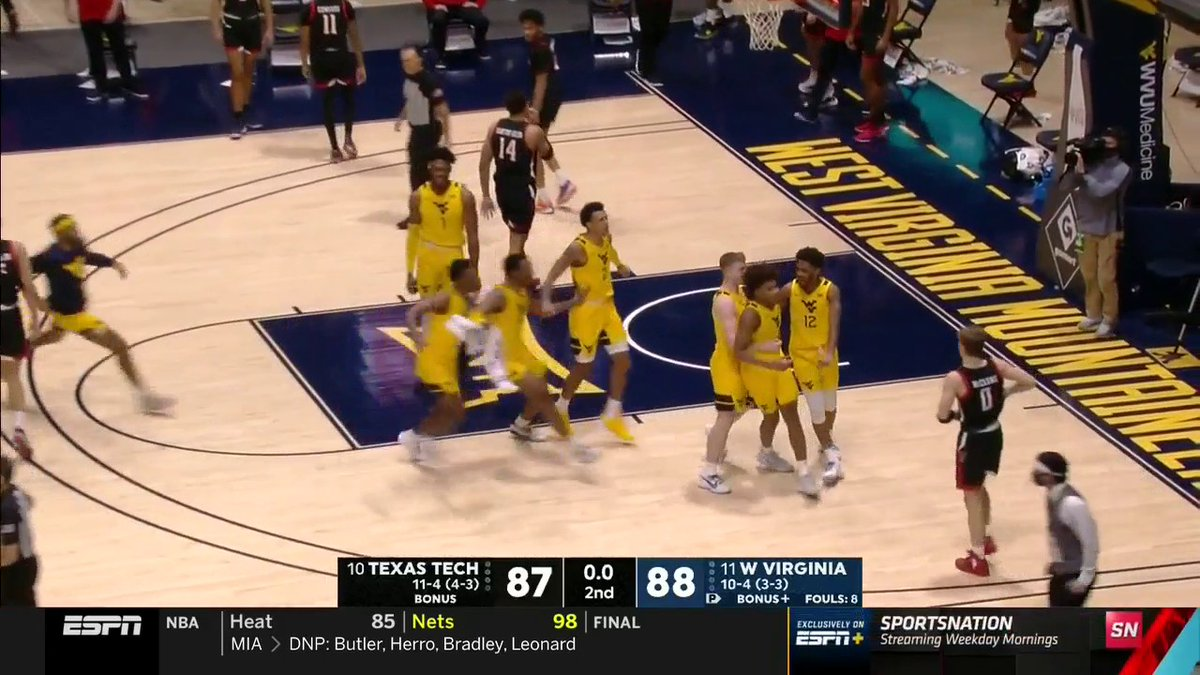 DEUCE FOR THE DUB 😤 @WVUhoops wins it in the final seconds against No. 10 Texas Tech