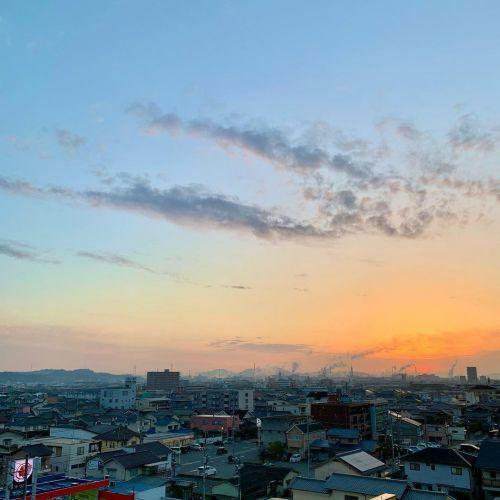 #今朝の空 #k2fotography #kunired #sky #朝空 #冬空 #kuniblue #sun... https://t.co/30nr6T1FdJ https://t.co/nXhYHRgrag