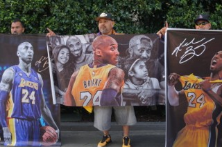 Replying to @VibeMagazine: Dear #Kobe: A poem by @kevin_powell 🙏🏾