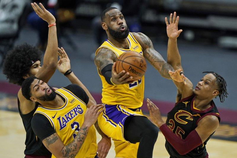 #LakeShow sigue invicto en la gira #LALvsCLE @DiarioDportes #NBA