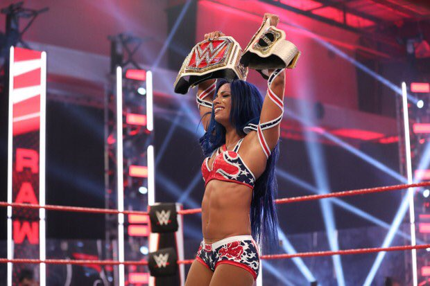 Sasha banks is only 29 and has accomplished so much 😭  #WWERaw