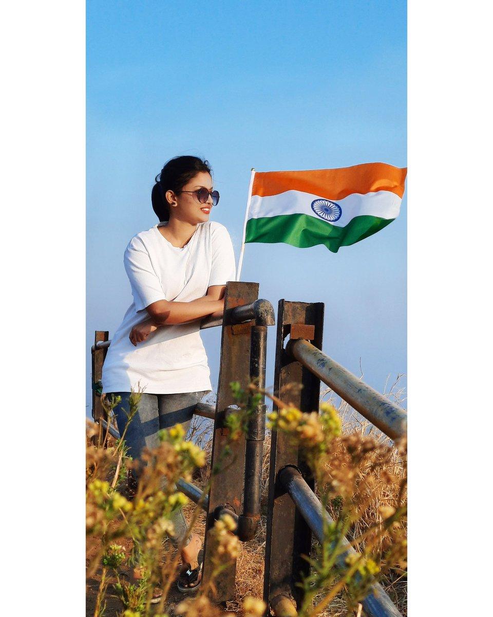 जगातील सर्वांत मोठ्या लोकशाही राष्ट्राला नमन, जगातील सर्वांत सुंदर संविधानाला नमन! 🙏🏻  🇮🇳 प्रजासत्ताक दिनाच्या खूप-खूप शुभेच्छा! 🇮🇳  #india #republicday #love #smile #respect #proud #indian #flag #moment #nation #beauty #world #motivation #sun #morning #morningvibes https://t.co/k8aSeYXizN
