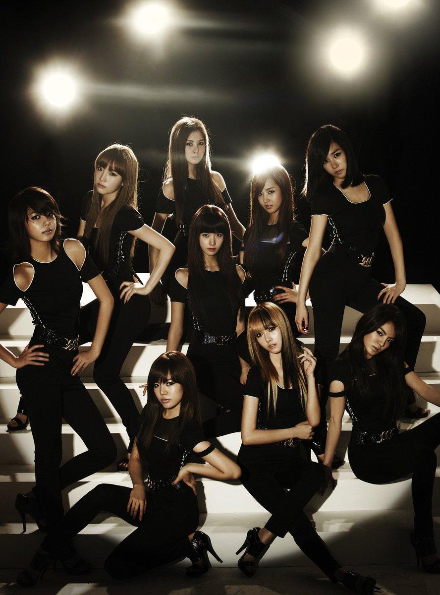 On the 25th of January, ten years ago, Girls' Generation released their third Japanese digital single, Run Devil Run. #GirlsGeneration #Taeyeon #Jessica #Sunny #Tiffany #Hyoyeon #Yuri #Sooyoung #Yoona #Seohyun #RunDevilRun #Jpop