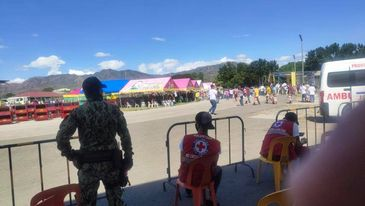 Provided security coverage during the distribution of Equipments and Fertilizers to all farmers of 27 municipalities of Abra at Oval Grandstand, Bangued, Abra.  #TeamPNP #PNPKakampiMo #ToServeandProtect