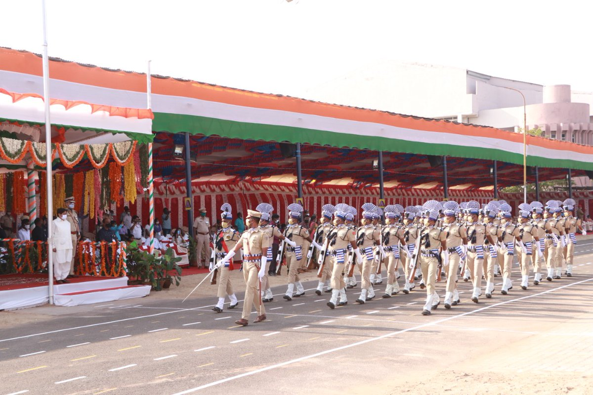 March-pasts by various contingents of Police, Home Guards, Fire Service Ex-Servicemen, etc. #RepublicDay   @PTI_News @PIB_India @DDNewslive @airnewsalerts @ddkpondy @airnews_puduvai @AshwaniKumar_92 @PuducheryPolice