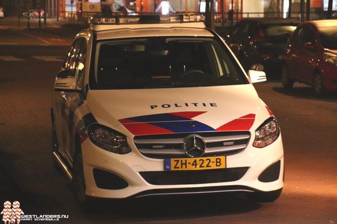 Ruim 50 aanhoudingen bij ongeregeldheden Rotterdam https://t.co/WIDiFBOvr4 https://t.co/URFOLsLA1y