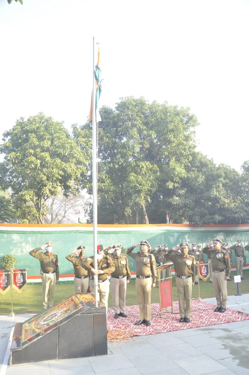 Sh Rakesh Asthana, DG BSF hoisted the tricolor on 72nd Republic Day at BSF Camp Khasa, Amritsar. He congratulated all Seema Praharis & exhorted them to discharge their responsibilities in the best traditions of the Force in service of our nation. #JaiHind  #RepublicDay2021