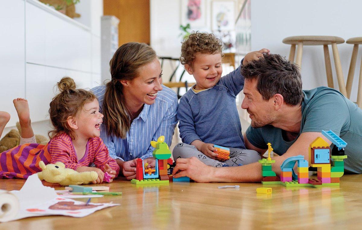 ✅ Напоминаем, что жители Ульяновской области могут получить единовременную выплату на детей до 8 лет   💻 Заявление можно подать на портале Госуслуг (https://t.co/aUW07FB1bw) и в Пенсионном фонде при личном обращении.   👉🏻 Дополнительная информация: https://t.co/I7cg4kj0vb https://t.co/t5SpfvdXlu