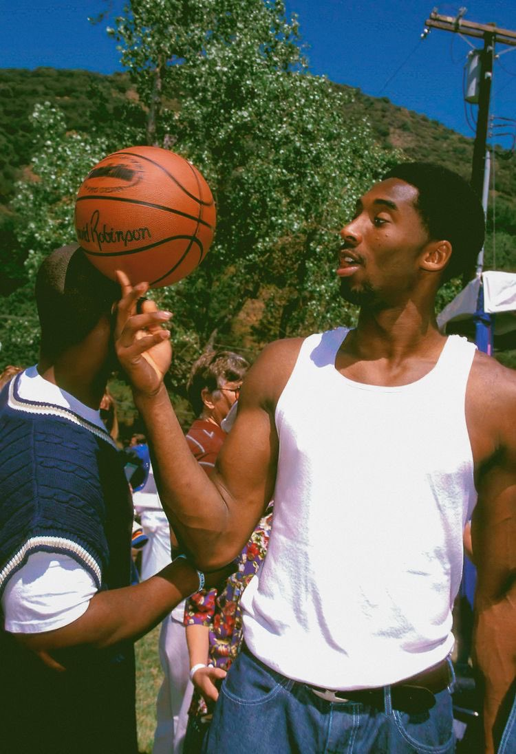 wow it's been 1 year since Kobe Bryant and Gigi died...i will always miss them.😓❤️ #MambaForever