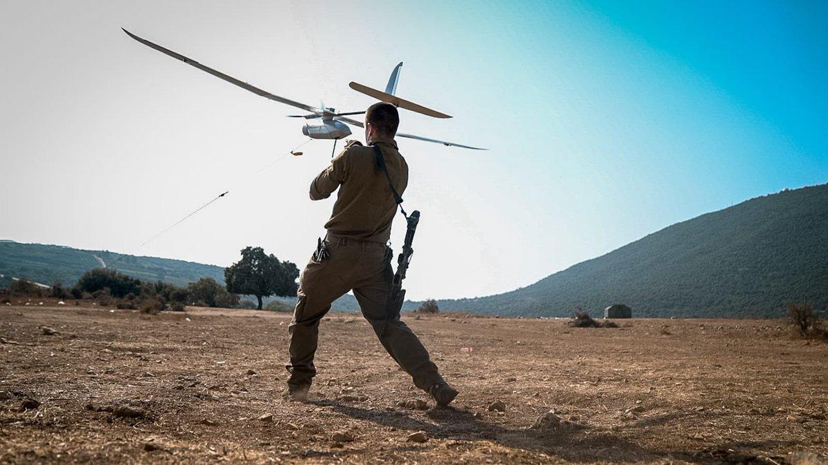 أفيخاي يغرد : نسمع  نرصد   نتعقب  باختصار هذا هو الحال على الحدود في الشمال  #الحدود #لبنان #إسرائيل …