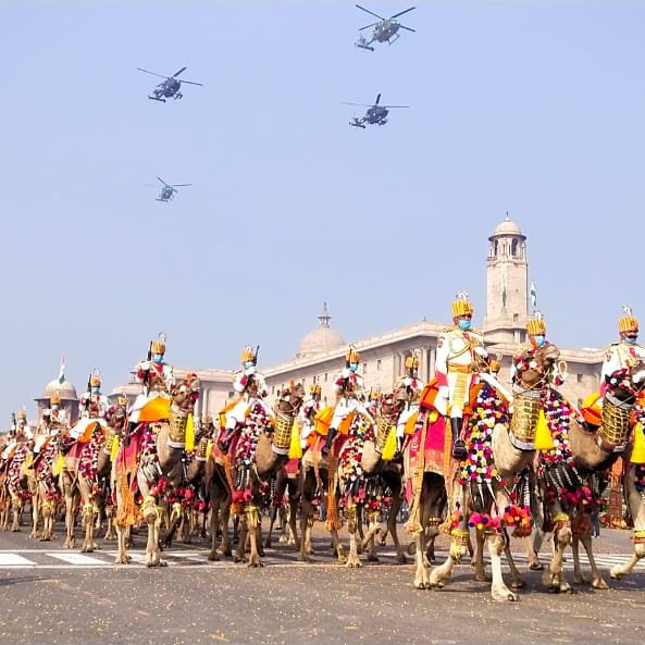 Colourful Camel Contingent of 'BSF- First Line of Defence' today proudly and smartly marching on Rajpath during march past of #RepublicDayParade2021 .    सीमा सुरक्षा बल - सर्वदा सतर्क #JaiHind  #FirstLineofDefence #RepublicDay2021