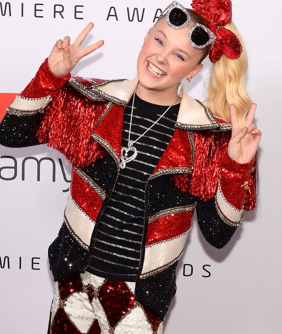 JoJo Siwa Says Paparazzi Called Police to Force Her Outside for Photos After Coming Out Photo