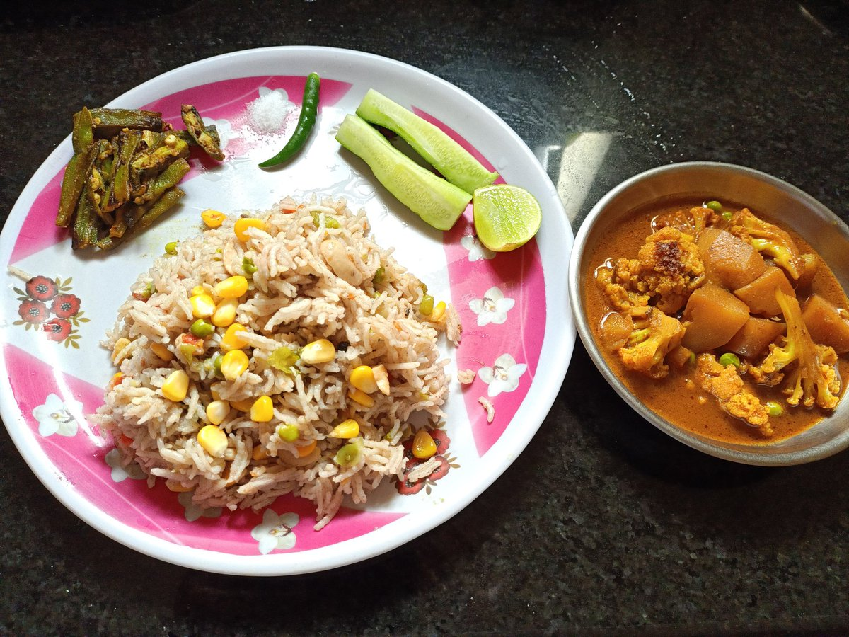 Lunch Platter  Corn fried rice , Potato Cauliflower Rasa, lemon vendi  #food #foodie #Odisha  #Bhubaneswar