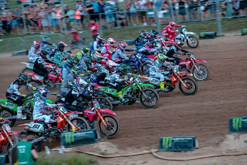 Fatevi un giro tra i team 2021 del Mondiale @mxgp  e i loro piloti. al LINK in 👉BIO l'elenco provvisorio del team approvati per questa stagione! . 🏁🏁🏁 #team #2k21 #OAT #mxgp #motocross #mx #ktm #supercross #dirtbike #enduro #crf #husqvarna #motocross…