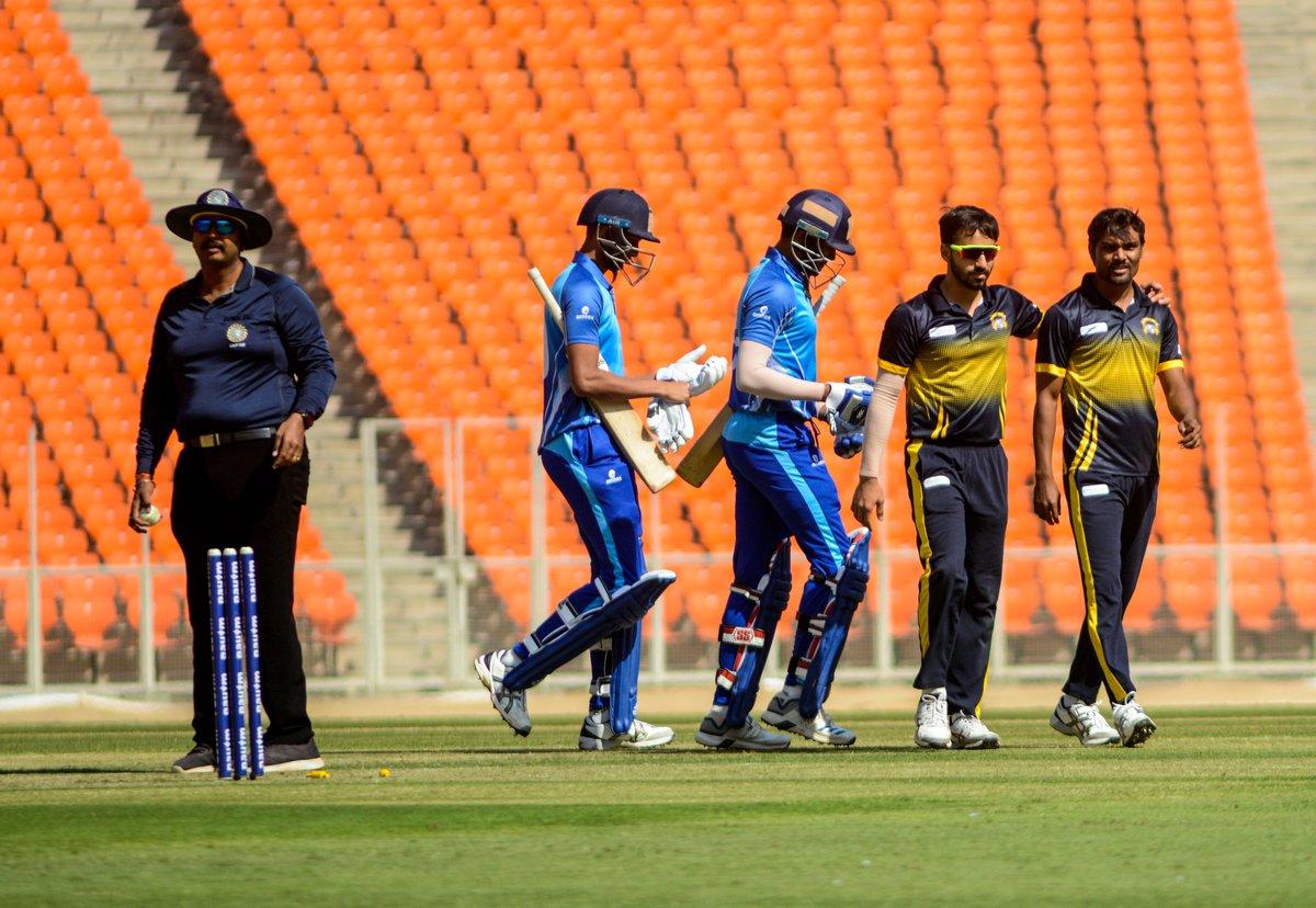An all-round bowling effort ✅ An unbroken 85-run stand between Prabhsimran Singh & Mandeep Singh ✅ A place in the semifinals ✅  Watch how Punjab secured a 9⃣-wicket win over Karnataka 🎥👇 #KARvPUN #SyedMushtaqAliT20 #QF1