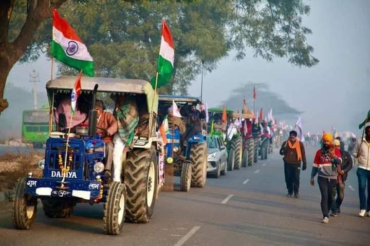 देश की शान, हमारे किसान  #HistoricTractorMarch