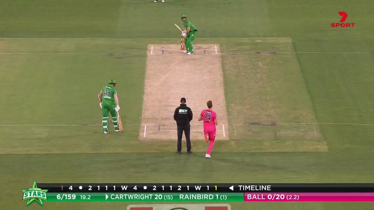 That's HUGE from Cartwright! A pull shot going 20 rows back square of the wicket at the MCG 😳 #BBL10