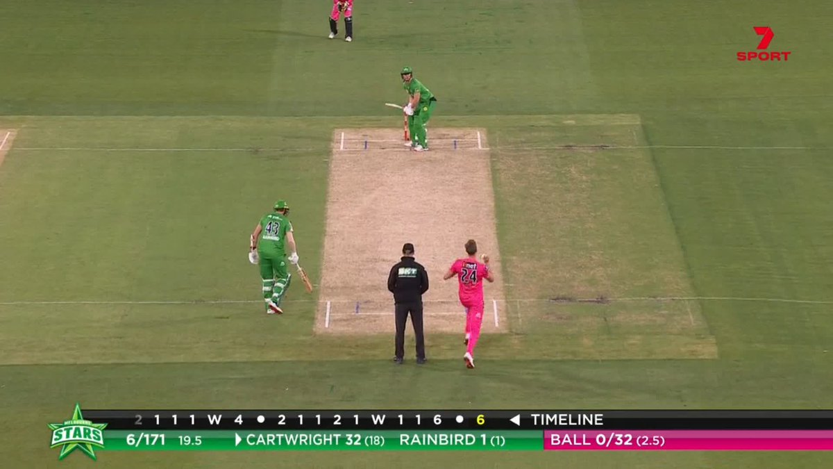 What a way to finish the innings! Cartwright hits it NINETY NINE metres #BBL10