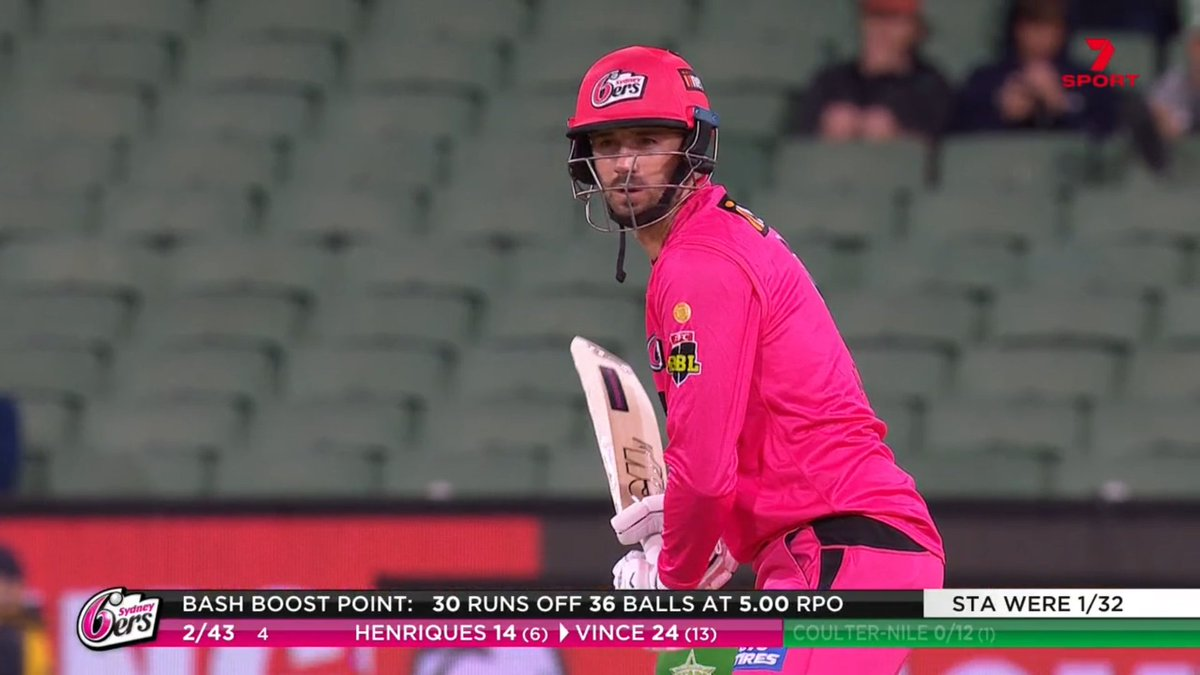 .@SixersBBL have steadied nicely after the early wobble, Vince and Henriques quickly taking them within sight of the Bash Boost point 👌 #BBL10