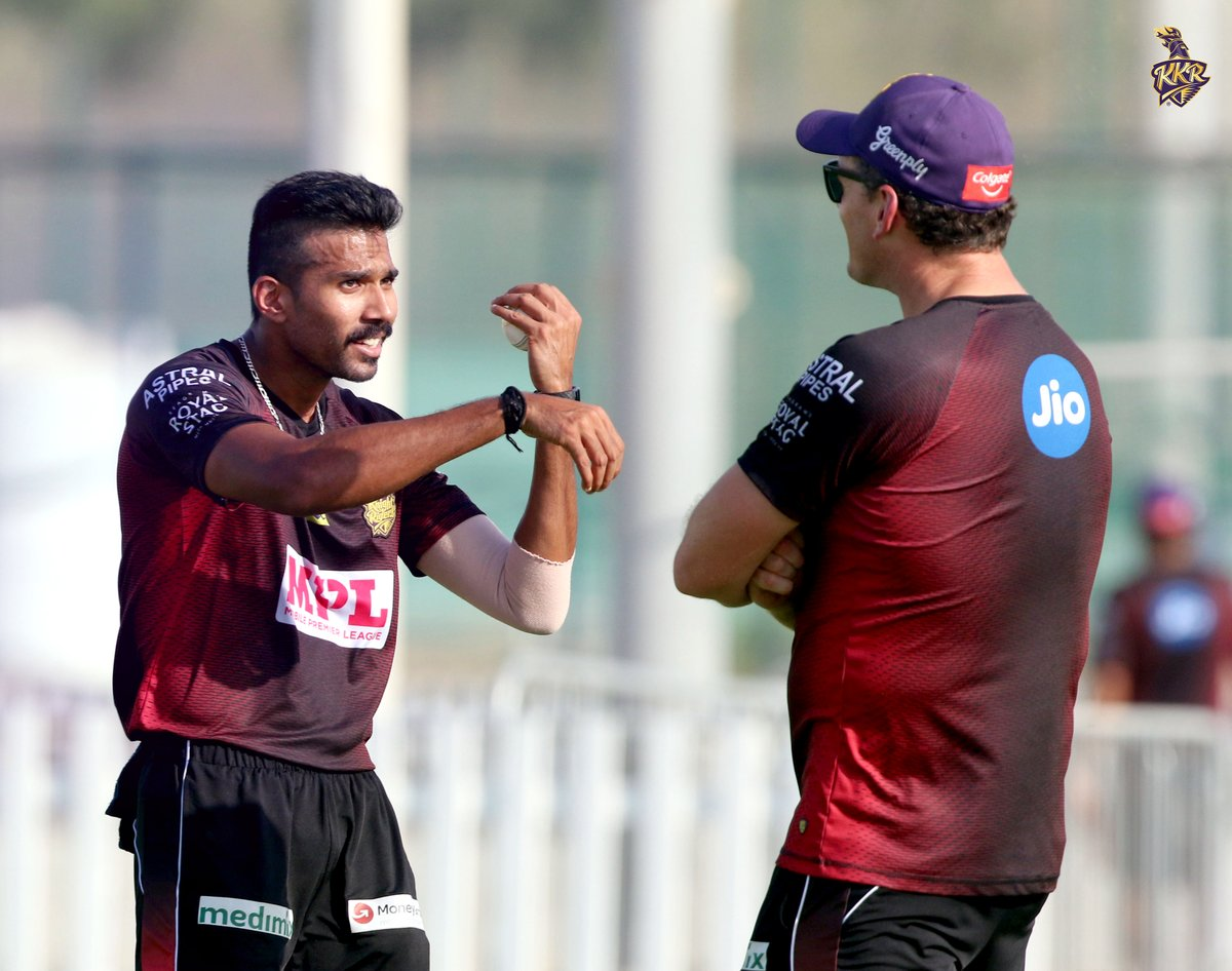 #CaptionThis!  ✍️ We always do the writing, now it's your turn. Go on, give it a shot!  #KKR #Cricket #SandeepWarrier @kylemills79