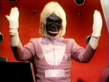Essa treta Kong x Zilla é antiga e virou até nome de produtora de funk. Aproveito pra declarar meu apoio irrestrito ao macaco. Sou macaquista desde os tempos do Dr Gori.
