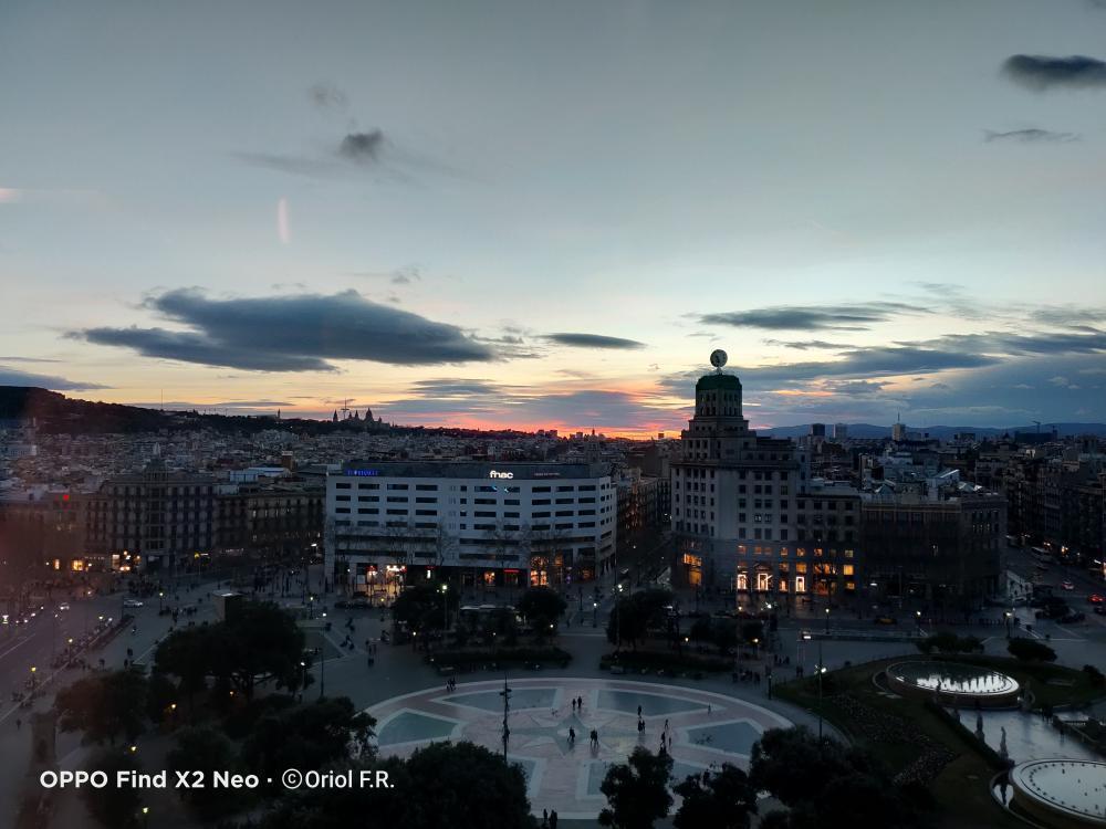 ¡Lo que nos gusta un atardecer! @urifernan96 nos envía esta preciosa fotografía 🌇 #shotonOPPO 🔥 #OPPOFindX2Neo #sunset