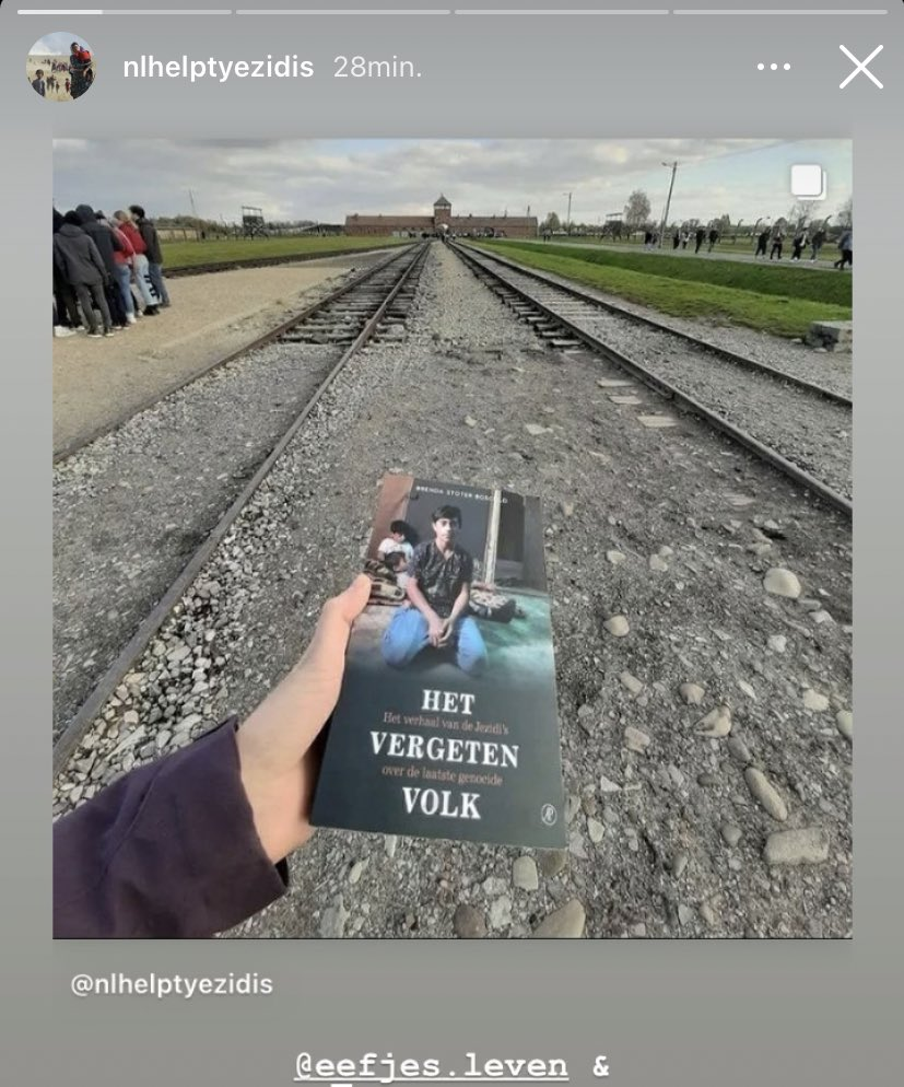 This is very special to me: my book on the Yezidi genocide @hetvergetenvolk is in @AuschwitzMuseum. A young woman whose family died during WW2 took it with her to remember not only the victims of the Holocaust, but also the victims of recent genocides.
