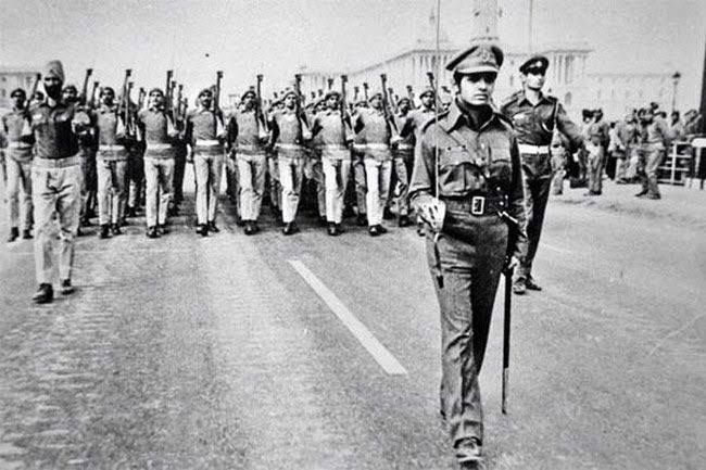 Replying to @IndiaHistorypic: 1975 :: IPS Kiran Bedi Leading Delhi Police Contingent In Republic Day Parade