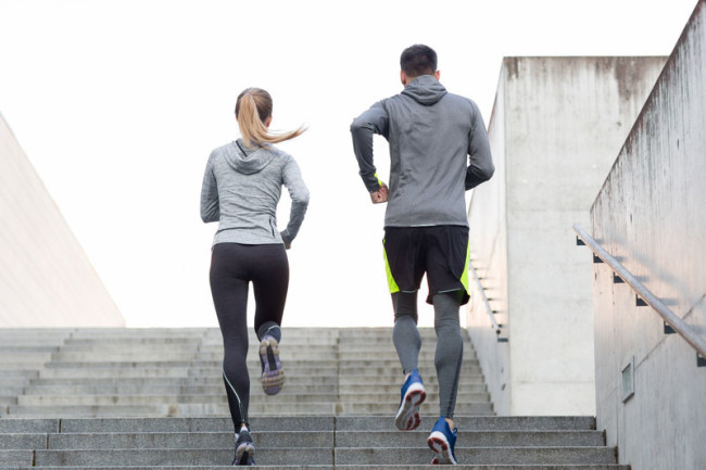 What are some of the many benefits of cardio training?🏃♀️ 🌍 - It strengthens your heart - It improves your lung capacity - It helps with weight loss - It helps to fight various diseases You can do cardio training wherever you are!  #gym #exercise #fitness #cardio #running