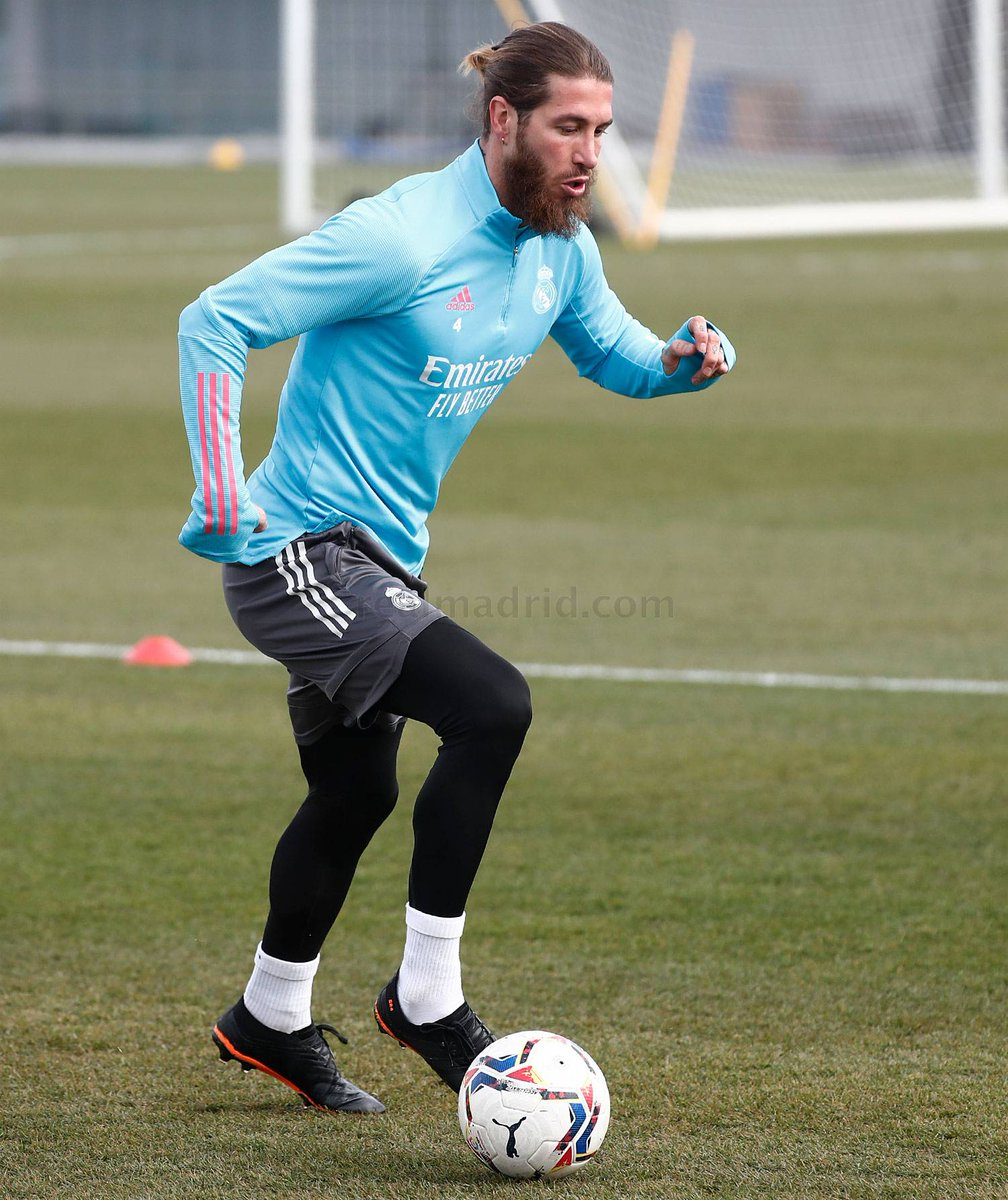 🚨| Sergio Ramos trained alone on the pitch. He's still a doubt for the next game vs Levante.  #HalaMadrid